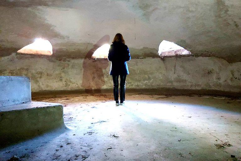 Las jaulas subterráneas eran ocupadas por los animales durante la noche; eran de dimensiones reducidas y se ingresaba por una escalera desde el piso superior
