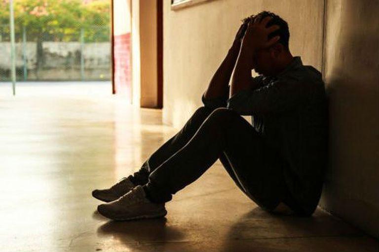 A diferencia de la depresión clásica, el deprimido Covid-19 padece una tristeza ansiosa, está enojado y exasperado con el otro