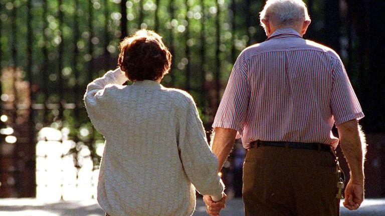 Regularán el funcionamiento de los geriátricos