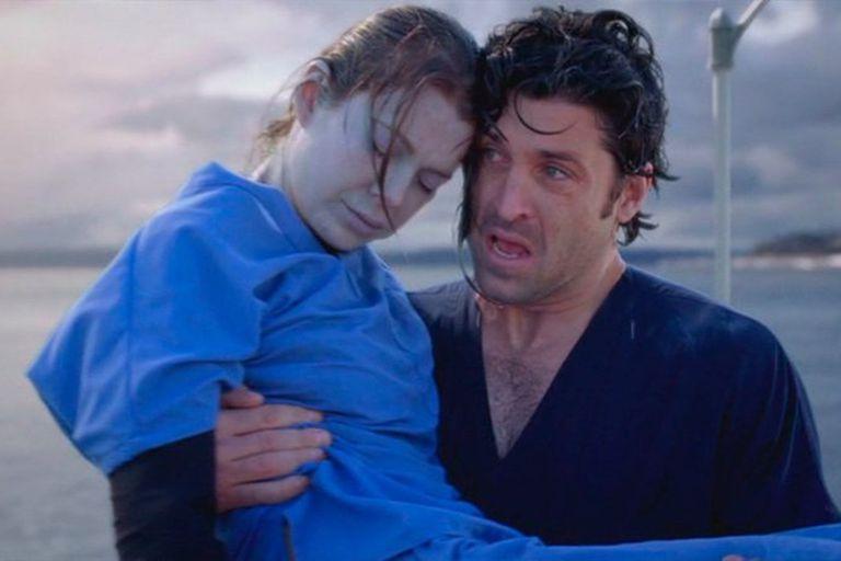 El momento en que Derek rescata a Meredith justo antes de que muera ahogada