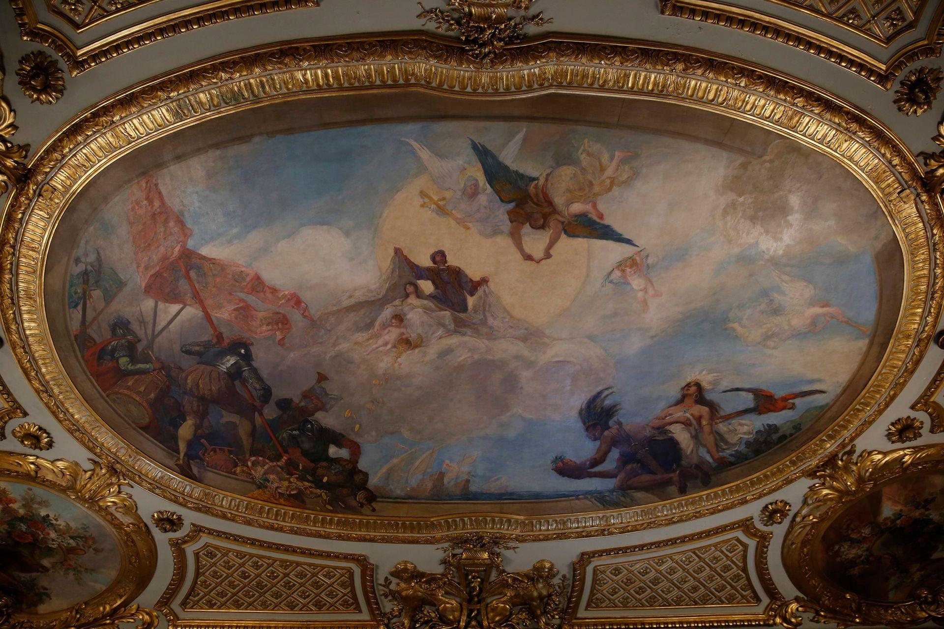 El salón dorado es el más opulento del Palacio y su estilo es neobarroco