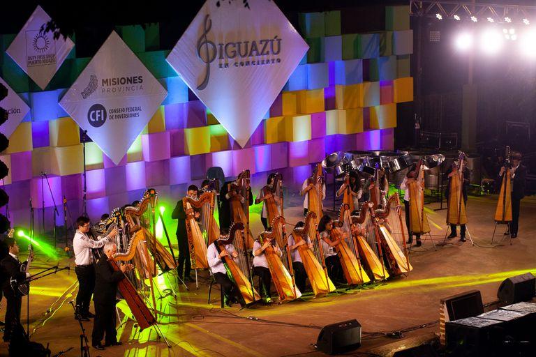 El gran encuentro musical misionero festeja diez años con delegaciones de chicos y jóvenes de diversos países, como El Conjunto de Arpas Encarnacenas, del Paraguay