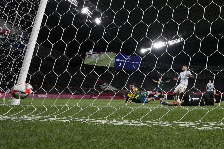 Lachlan Wales abre el marcador para Australia