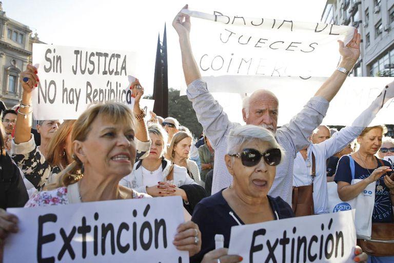 Una movilización reclamó depurar la Justicia y la destitución del juez Rodríguez