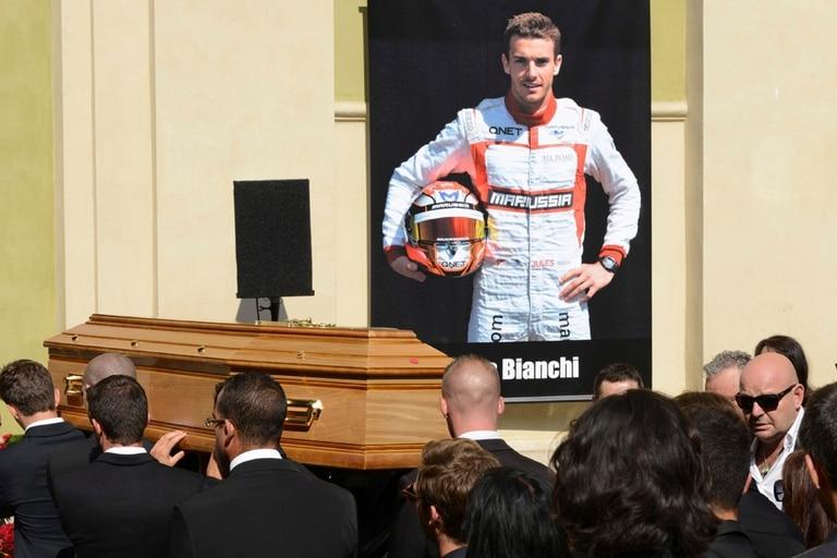El emocionante funeral de Jules Bianchi en Niza