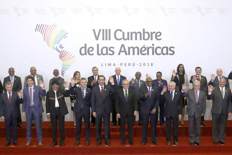 """Los mandatarios de la región posaron juntos para la """"foto de familia"""" poco antes del plenario"""