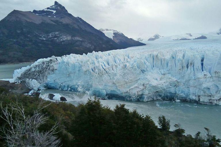El glaciar Perito Moreno inició el proceso de ruptura más grande del siglo