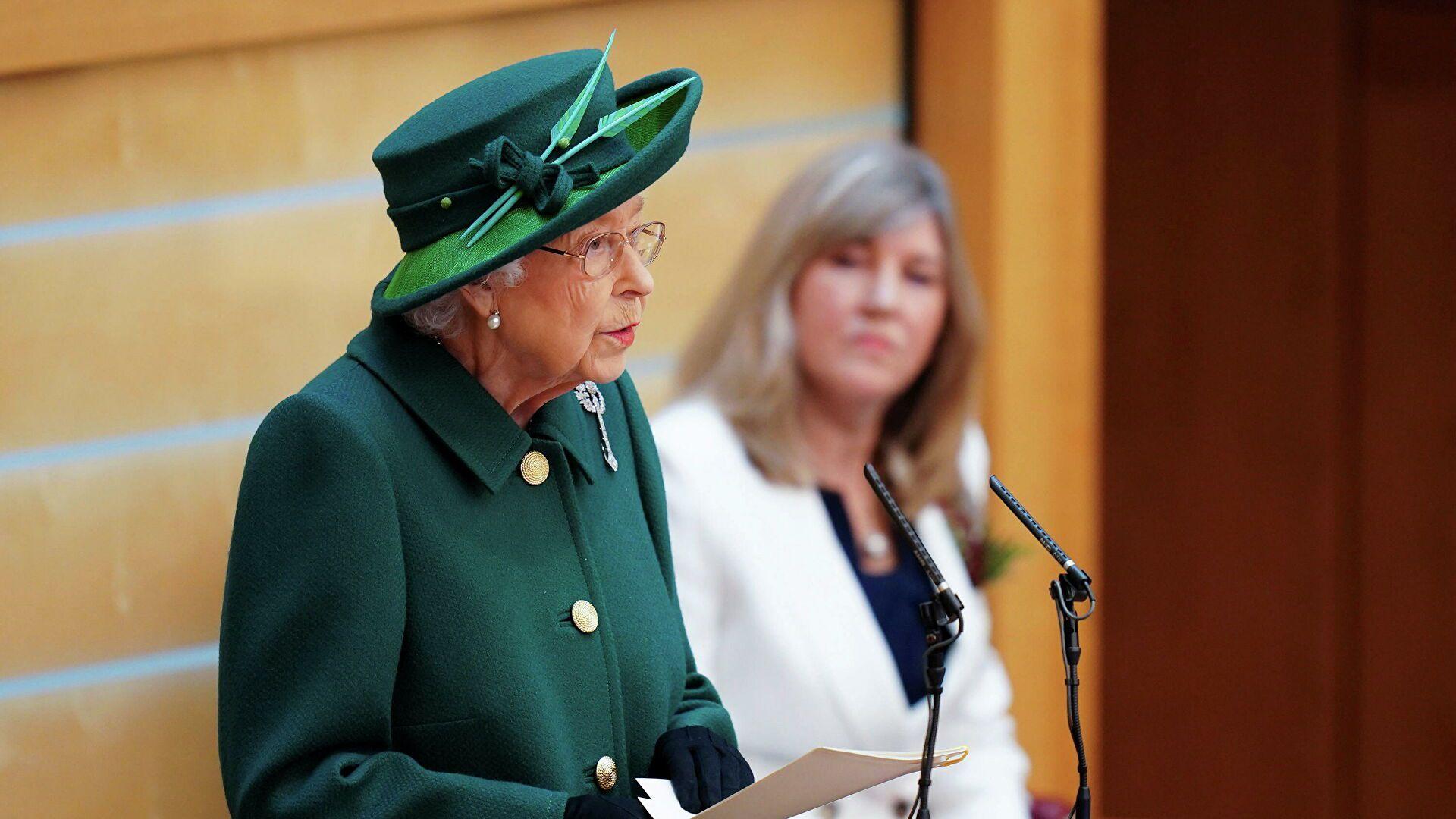El 2 de octubre pasado, la Reina Isabel II inició las sesiones parlamentarias en Escocia