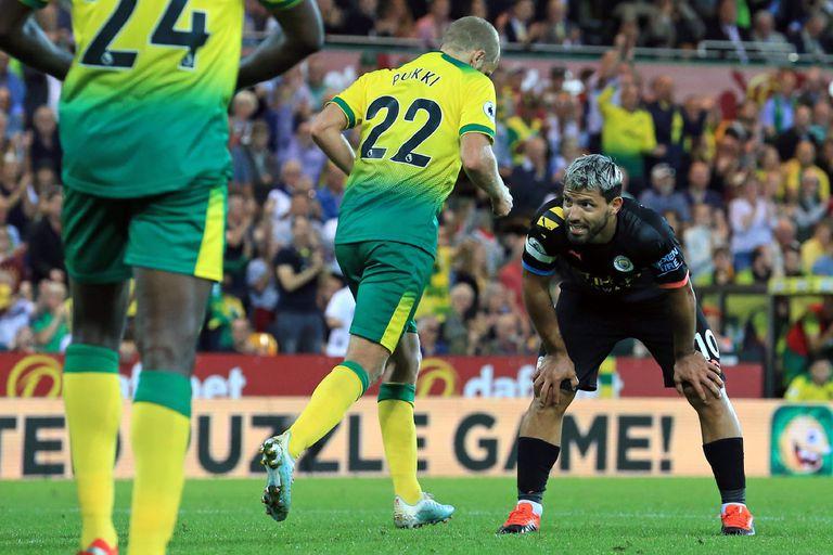 Sergio Agüero, contrariado. Anotó un gol pero Manchester City perdió.
