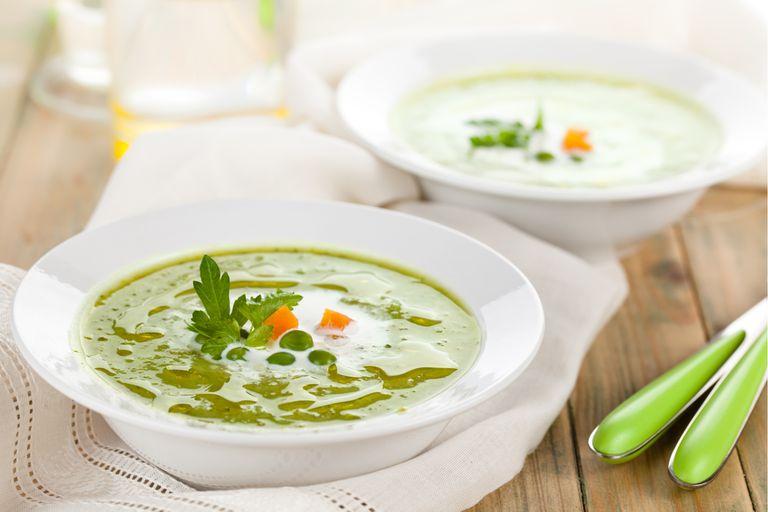 Sopa crema de arvejas partidas y  zanahorias