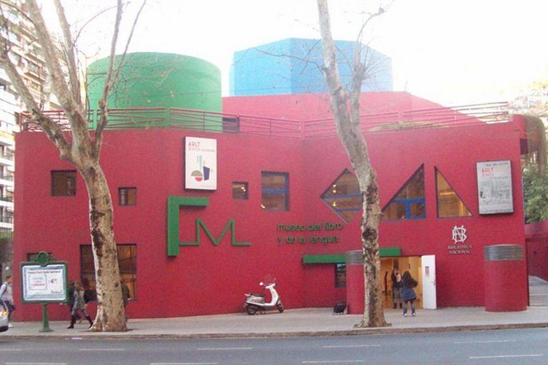 Desmienten el cierre del Museo del Libro, que abre nuevas salas