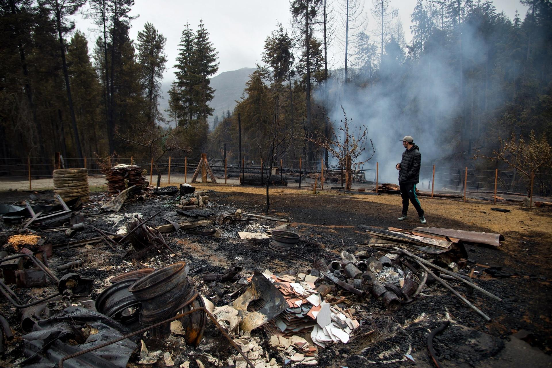 El incendio en la zona de El Hoyo que destruyó varias viviendas