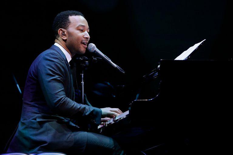 John Legend está de vuelta con un disco que mira al pasado, abraza a los grandes de la música afroamericana y se posiciona como un buen antídoto para sobrellevar esta larguísima cuarentena