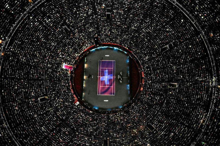 Final de la gira latinoamericana de Federer: casi 100.000 personas y un récord