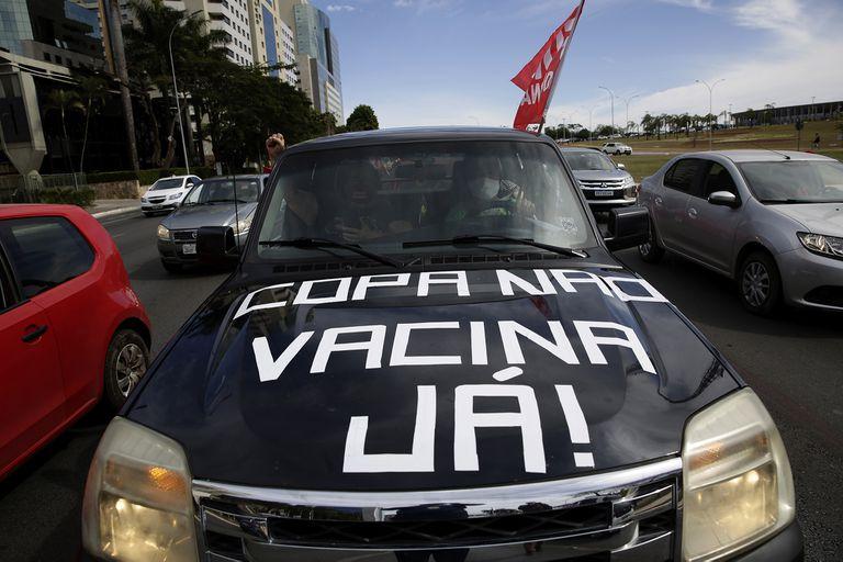 Un inicio sin el fervor brasileño: la gente rechaza el torneo y piensa más en las vacunas