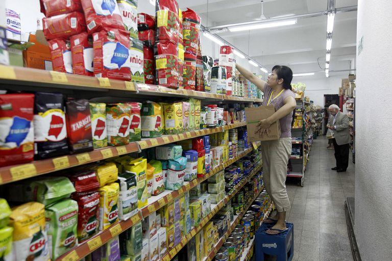 Control de precios: supermercadistas chinos denuncian que fueron amedrentados