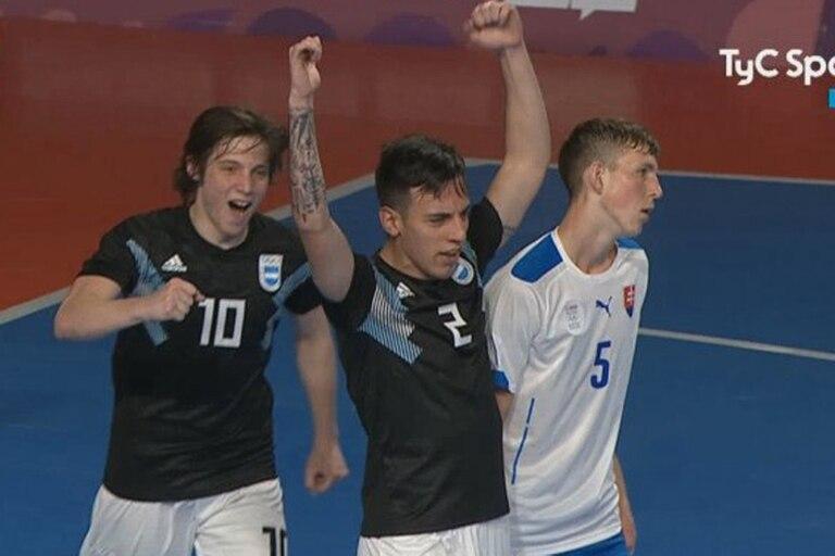 El festejo de los chicos argentinos ante Eslovaquia
