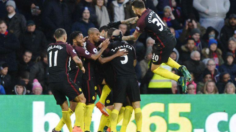 El festejo del City tras el gol de Yaya Touré