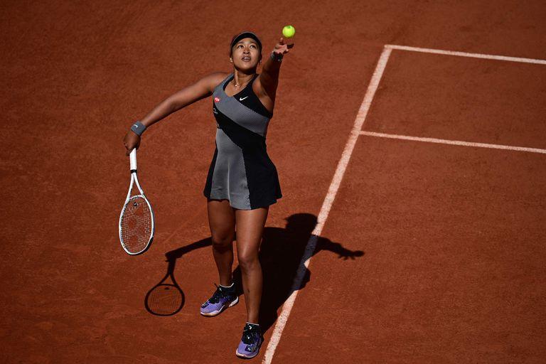 Naomi Osaka, la número 2 del mundo, podría ser expulsada del torneo por negarse a conversar con la prensa