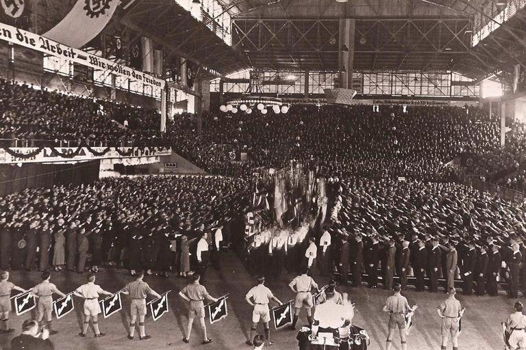 El motivo del acto fue la anexión de Austria a la Alemania nazi, que se concretó en marzo de 1938 (Archivo Luna Park)