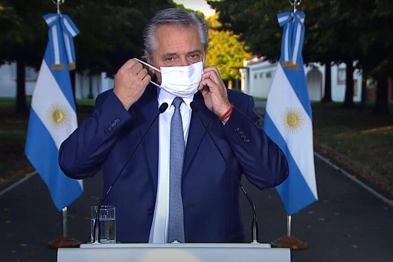 Alberto Fernández anunció desde su aislamiento en Olivos medidas restrictivas de la circulación