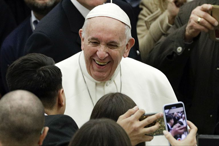 ¿El Papa vegano? Le ofrecen un millón de dólares para que se convierta