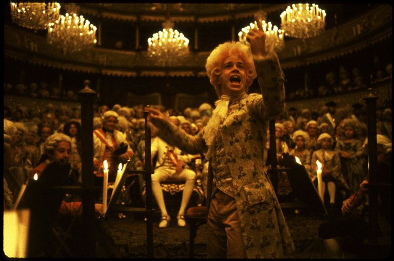 Tom Hulce en Amadeus, por la que Shaffer ganó el Oscar al mejor guión adaptado en 1985