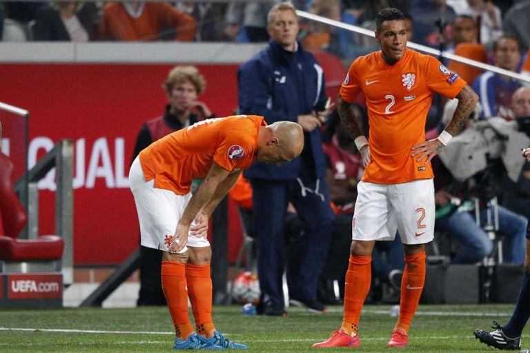 Arjen Robben se lesionó y Holanda está lejos de la clasificación