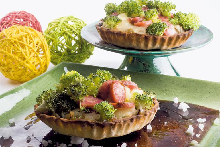 Tarta de queso, chorizo y brócoli