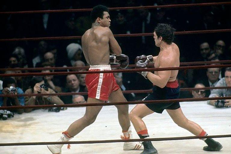 Centro del ring, la plasticidad de Cassius Clay (Muhammad Alí) y la guapeza de Ringo Bonavena