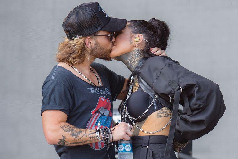 Cande Tinelli. Subió su romance con Luca Bonomi al escenario de Lollapalooza