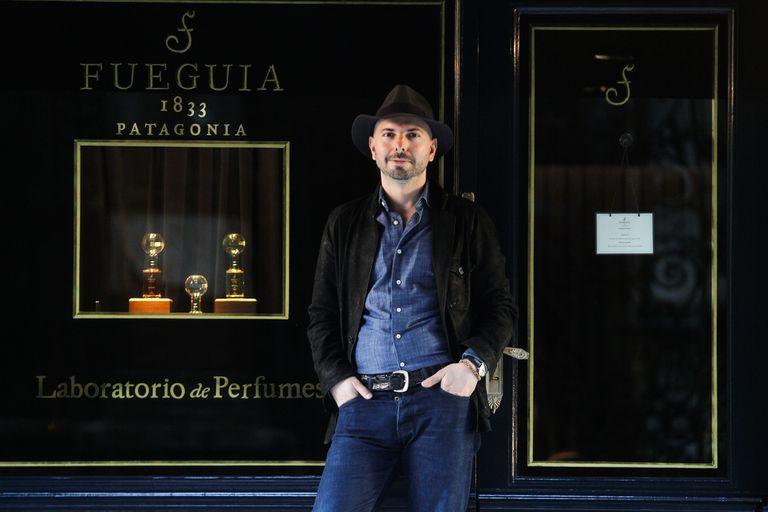 Julian Bedel en 2017. Tuvo problemas para producir en la Argentina y emigró a Italia, donde instaló una fábrica de perfumes.