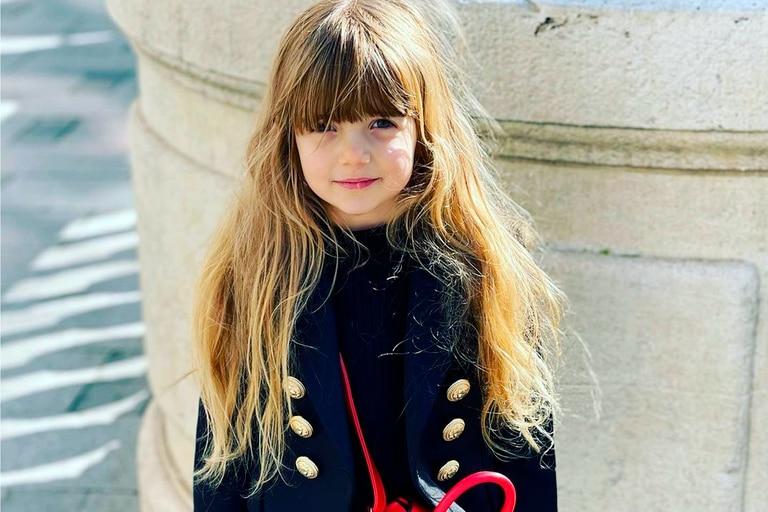 Además del precio sideral de las prendas, en las redes sociales comentaron sobre un detalle en las medias de la nena