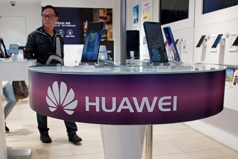 Aunque Huawei es conocida por sus celulares, una parte significativa de su negocio está en el equipamiento de infraestructura de telecomunicaciones