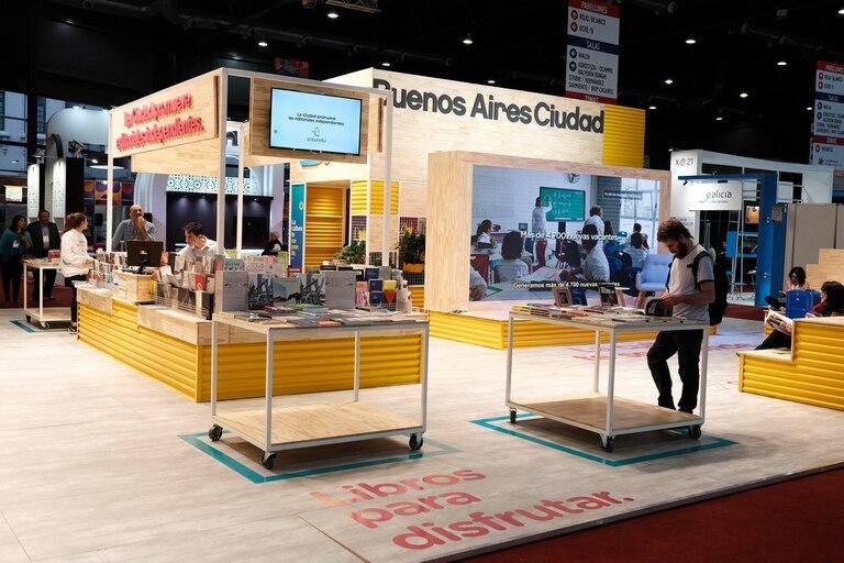 El stand de la ciudad de Buenos Aires cuenta con un auditorio, un espacio de lectura y un punto de venta de libros de 25 sellos independientes