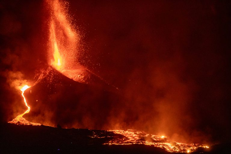 Los gráficos e imágenes que muestran el impacto de la devastadora erupción