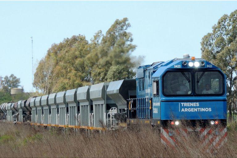 Trenes. Entre enero y abril creció un 23% la carga de granos y otros productos