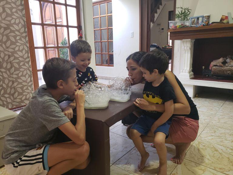 Fernanda con Joaquín y Facundo