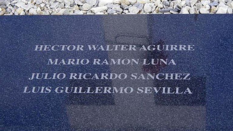La tumba colectiva mal identificada en 2004 que exhumará ahora el equipo coordinado por la Cruz Roja