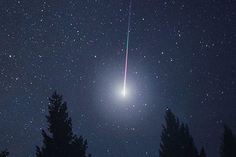 """La luna nueva ayudará a ver la lluvia de """"bolas de fuego"""" con mayor intensidad desde cualquier punto del planeta"""