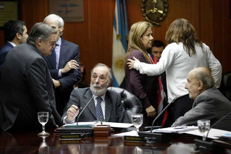 Acuerdo: el kirchnerismo y la oposición negocian la designación de 23 jueces
