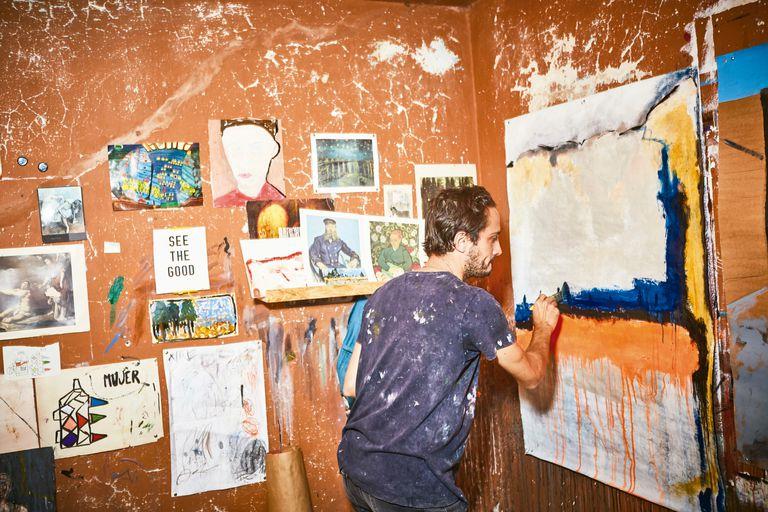 El baterista que encontró su gran pasión en la pintura