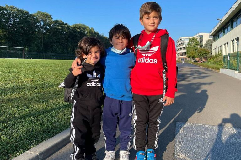 Thiago, Mateo y Ciro Messi empezaron un nuevo ciclo lectivo; esta vez, en París