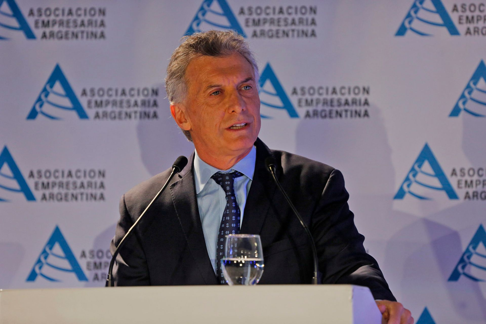 Macri en la reunión Asociación Empresaria Argentina AEA