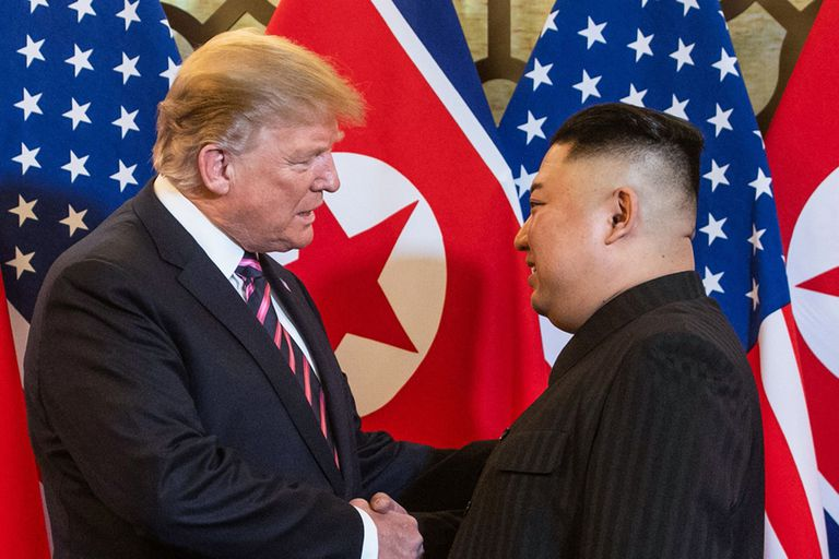 Tras el fiasco, Trump y Kim buscan otras vías de diálogo
