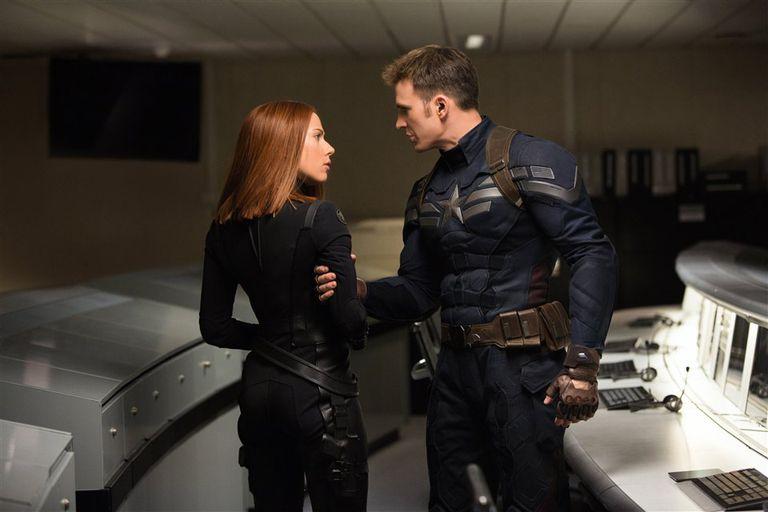 Scarlett Johansson (Black Widow) y Chris Evans (Capitán América) en Vengadores: Endgame
