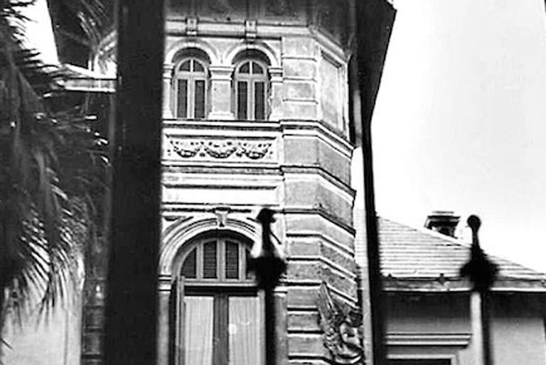 Los vecinos de Belgrano aún recuerdan al mayordomo que se asomaba a la entrada de la casa todas las tardes a las 17 horas.