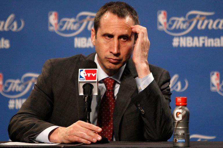 El técnico ex NBA que en una conmovedora carta confesó tener esclerosis múltiple