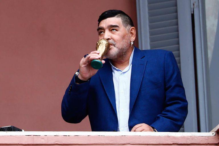Unos meses atrás, Diego Maradona recreó en el balcón de la Casa Rosada un momento histórico: la celebración del título mundial conseguido en México ´86
