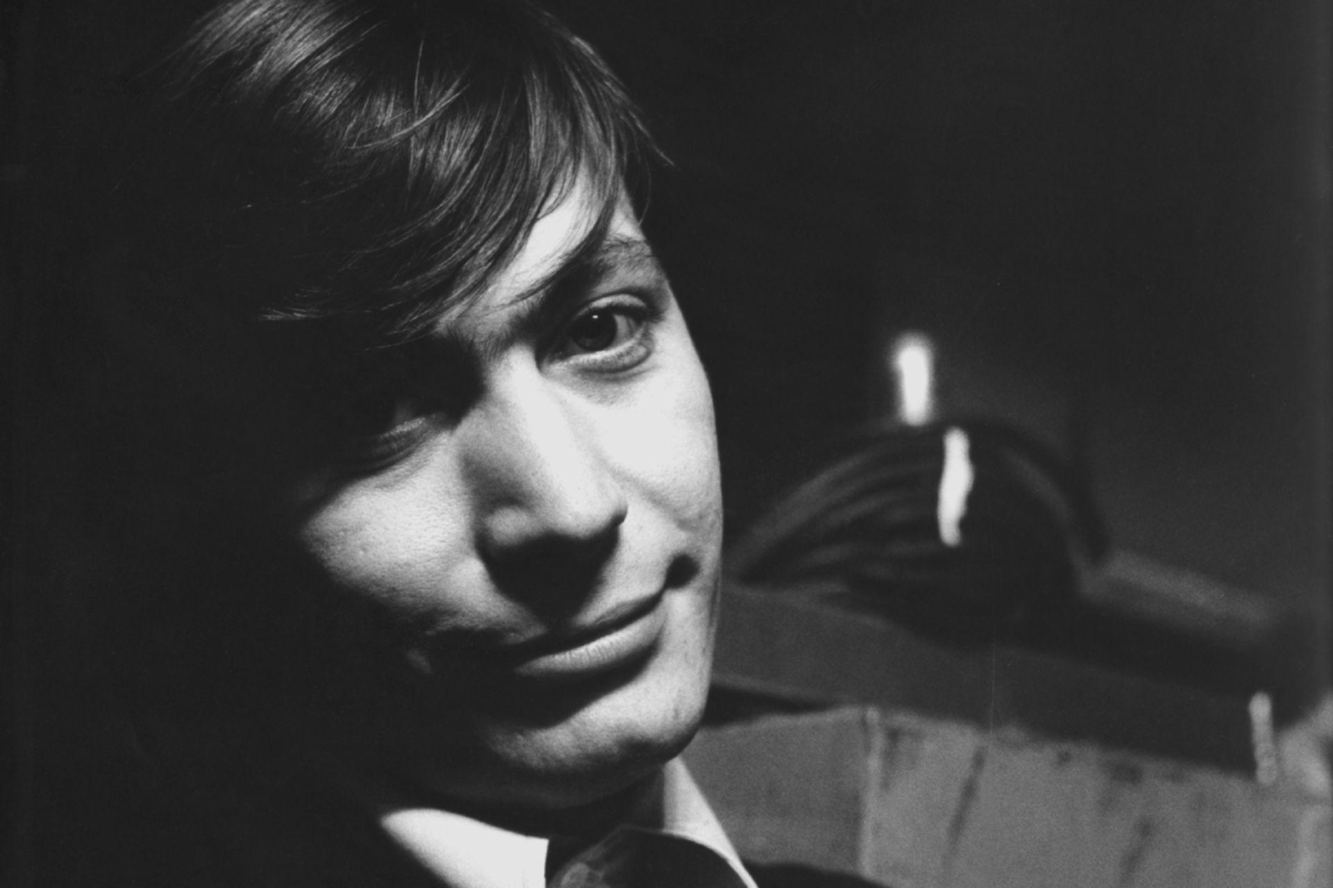 Un jovencísimo Charlie Watts, a mediados de los años 60